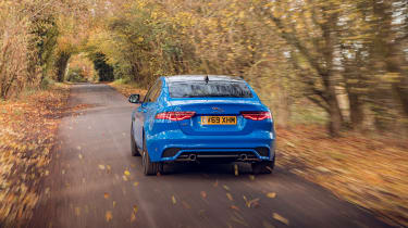 Jaguar XE Reims Edition - rear tracking