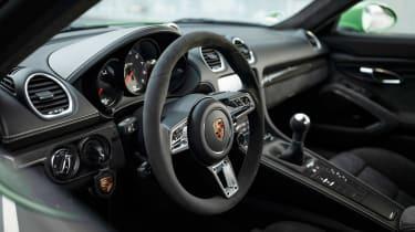 Porsche 718 Cayman GTS 4.0 - interior