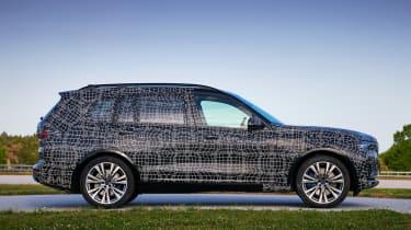 BMW X7 prototype - side