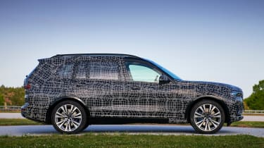 BMW X7 prototype - side
