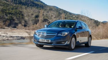 Vauxhall Insignia Sports Tourer Whisper diesel - front tracking