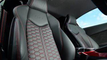 Audi TT RS -  seats