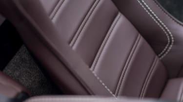 Aston Martin Vantage GT12 Roadster - seat