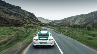 Porsche 911 R - rear panning