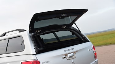 Mitsubishi L200 - boot hatch