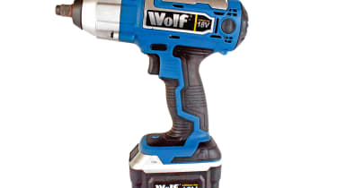 Wolf 18v Li-Ion Cordless Impact Wrench Kit
