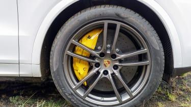 Porsche Cayenne Turbo - wheel