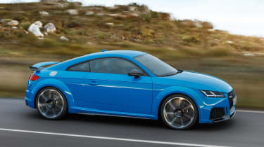 Audi TT RS Coupe - side action