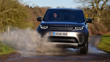 Used Land Rover Discovery 5 - off-road