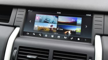 Land Rover Discovery Sport MY2107 - infotainment