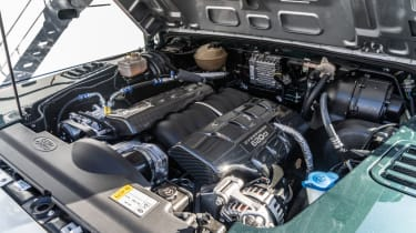 Overfinch Defender 90 - engine