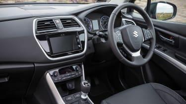 Suzuki SX4 S-Cross - dash