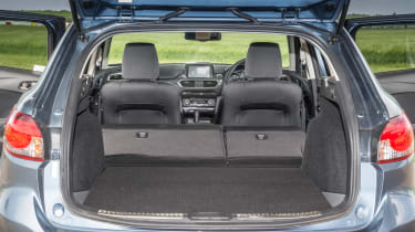 Mazda 6 Tourer 2.2D boot