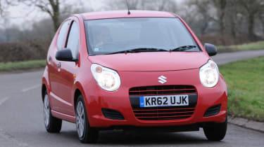 Suzuki Alto 1.0 VVT SZ front cornering