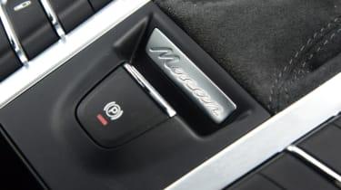 Porsche Macan GTS - handbrake