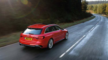 Audi RS 4 Avant - rear tracking
