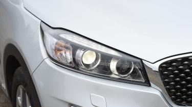 Kia Sorento - front light details