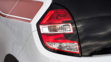 Triple test – Renault Twingo - tail light