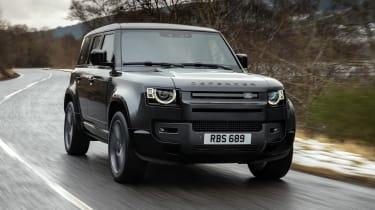 Land Rover Defender 110 V8 - front action