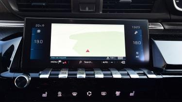 Peugeot 508 Fastback - navigation