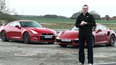 Porsche 911 vs Nissan GT-R video