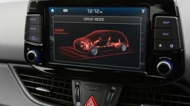 Hyundai i30 N - interior screen