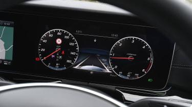 Mercedes E-Class E 220d AMG Line 2017 - instruments