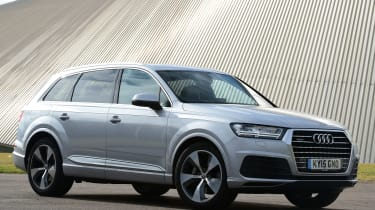Audi Q7 - front static