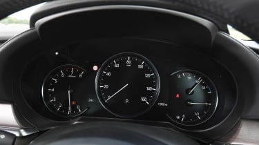 Mazda 6 - dials