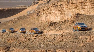 Nissan NP300 Navara pick-up dune - Gara Medouar track