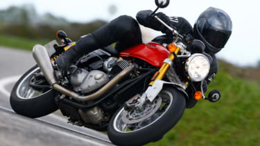 Triumph Thruxton R review - front