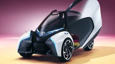 Toyota i-Tril Concept front quarter