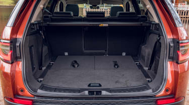 Land Rover Discovery Sport - boot