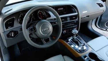 Audi A5 Cabriolet TDI dash