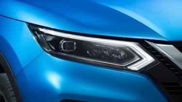 New Nissan Qashqai facelift - front light detail