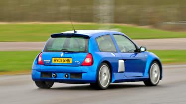 Clio V6 - rear