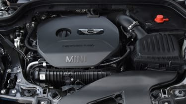 MINI John Cooper Works Challenge - engine