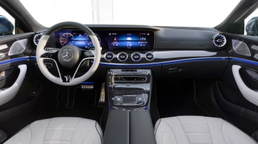 Mercedes CLS - dash