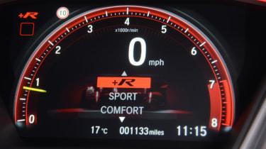 UK Honda Civic Type R 2017 - dial