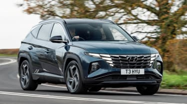 Hyundai Tucson - cornering