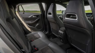 Infiniti Q30 - rear seats