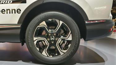 Honda CR-V Hybrid - Paris - Wheel