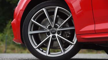 XE vs Gulia vs A4 - A4 - wheel
