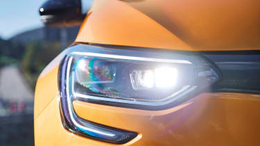 Renault Megane R.S. - front light on