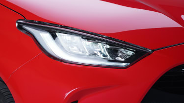 Toyota Yaris - headlight studio