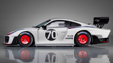 Porsche 935 side