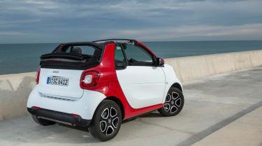 Smart ForTwo Cabrio 2016 - rear quarter 2