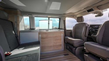 Volkswagen California T6.1 - cabin no table