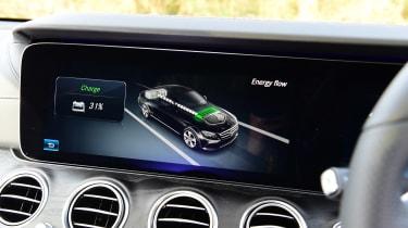 Mercedes E 300 e - battery status