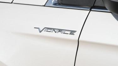Ford Edge Vignale - Vignale badge